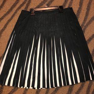Fan pleated skirt